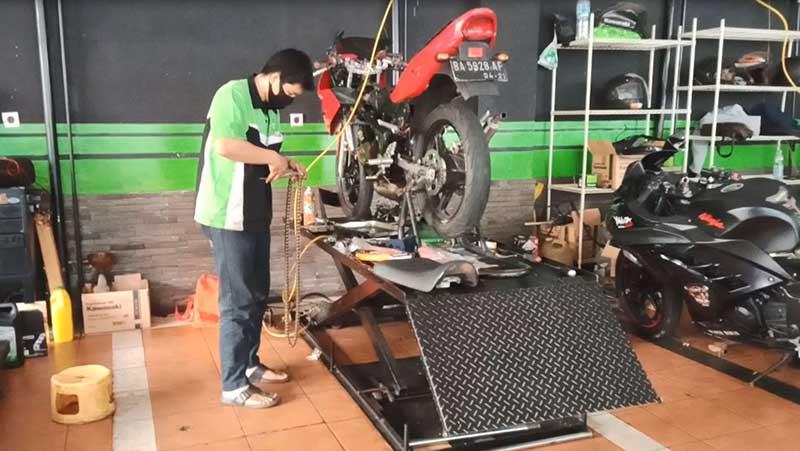 TK Racing okamotret